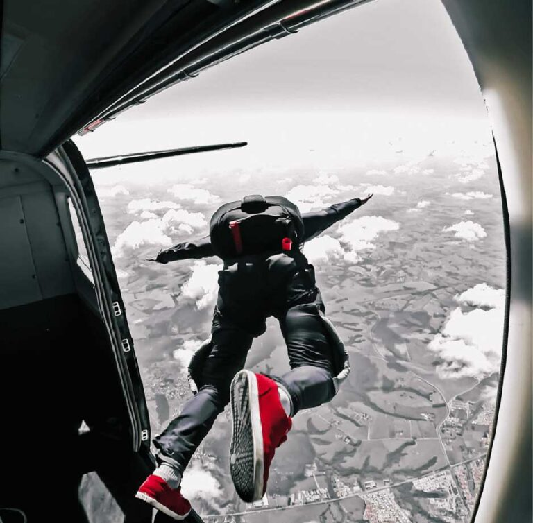 LC-Website-image_skydiving-min